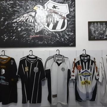 Restaurante realiza exposição de camisas em homenagem ao aniversário do Central