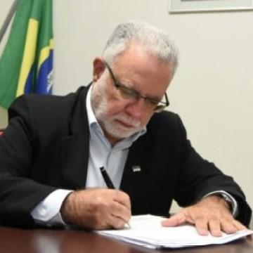 Governo de Pernambuco consegue remanejamento de verba para combate a Covid-19