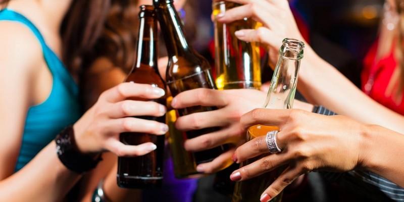 Fornecimento das substâncias aos adolescentes podem gerar multa de até 30 salários mínimos