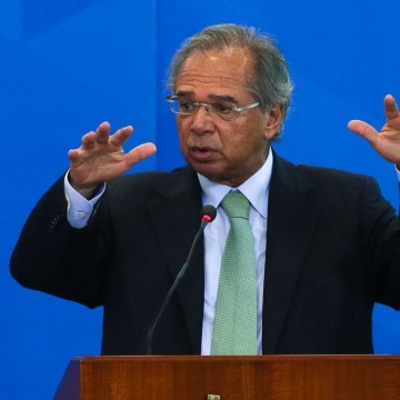 Economia crescerá mais de 2% se reformas forem aprovadas, diz Guedes