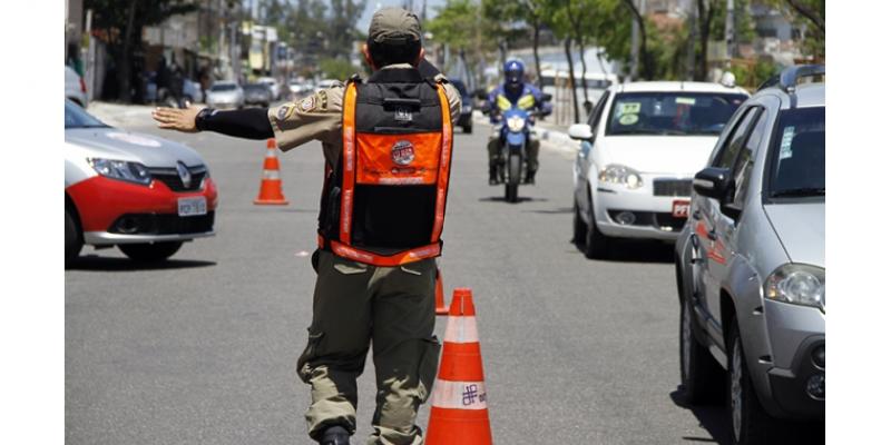 A movimentação nas estradas que levam ao Litoral do Estado, principalmente nos fins de semana, é ainda mais intensa.