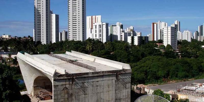 No projeto já foram injetados R$ 16 milhões dos cofres públicos e a intervenção está paralisada há cerca de 10 anos.
