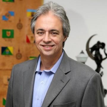 Professor da USP Mozart Neves  afirma que desigualdade educacional deve aumentar ainda mais por conta da pandemia