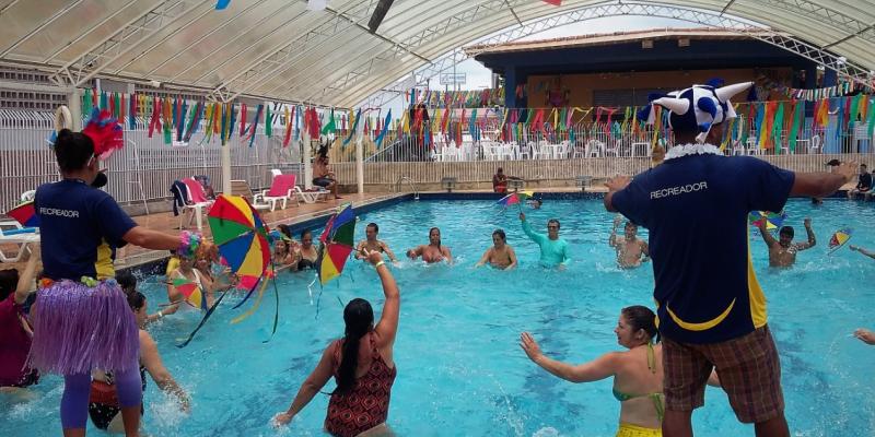 Projeto Sesc Lazer acontece nos domingos 14, 21 e 28 de fevereiro, das 10h às 15h, no parque aquático da unidade