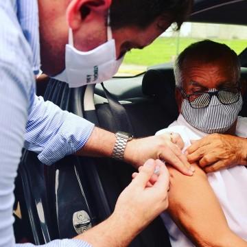 Aldeia ganha ponto de vacinação contra a covid no modelo drive thru nesta terça-feira