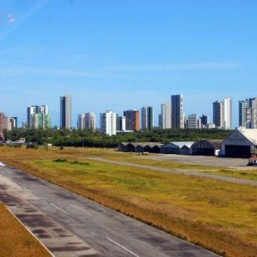 Terreno do antigo Aeroclube é tema de debate entre os vereadores André Régis e Eriberto Rafael