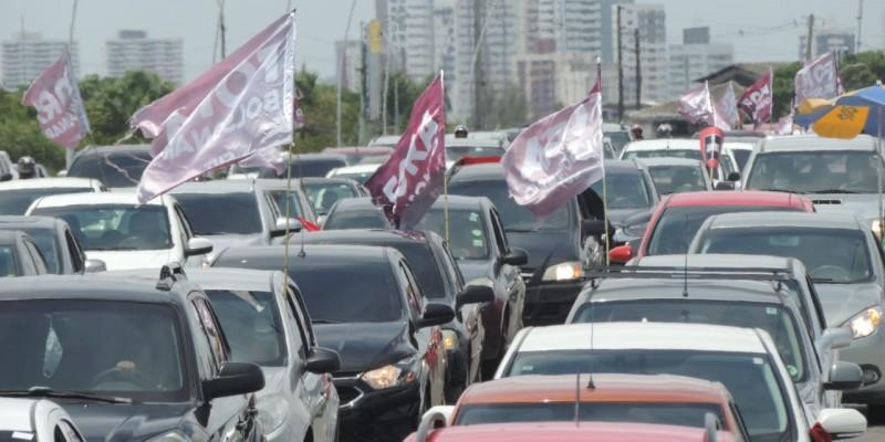 A concentração foi na Av Agamenon Magalhães, em  frente à fábrica Tacaruna, no limite entre Recife e Olinda