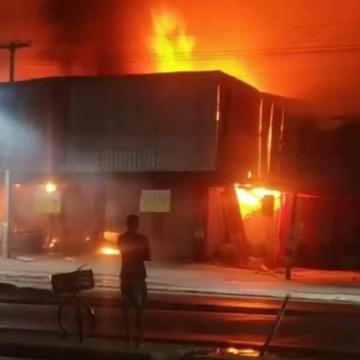 Incêndio destrói supermercado no Cabo de Santo Agostinho