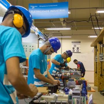 Índices da FGV revelam melhora no mercado de trabalho em fevereiro
