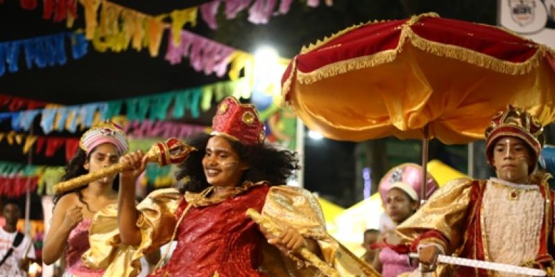 Tradições serão garantidas através de desfiles de agremiações e muitos ensaios