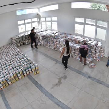 Caruaru recebe mais 2.500 cestas básicas para ajudar trabalhadores do São João